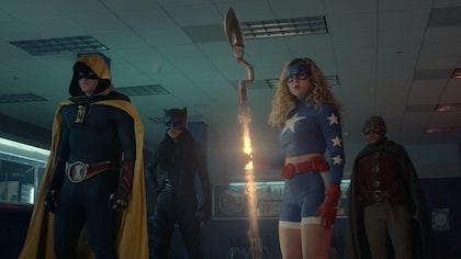 DC'S STARGIRL: EXCLUSIVE SNEAK PEEK OF THE SHADOWLANDS