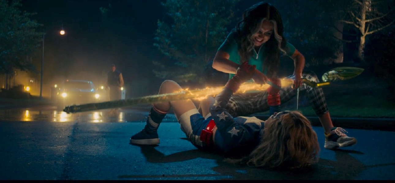 Stargirl-Shiv-fight.jpg